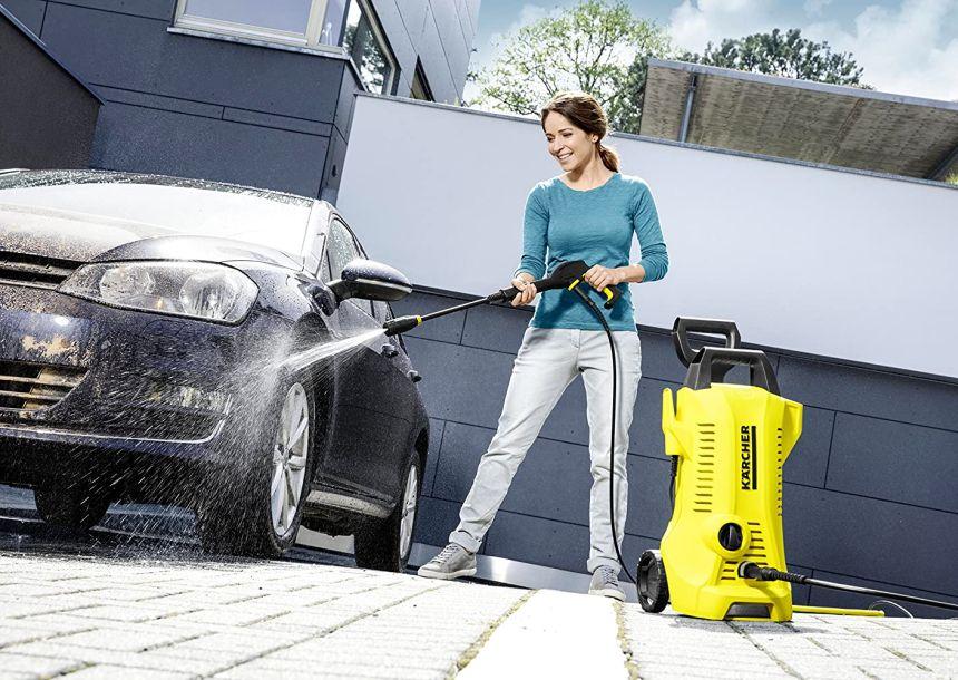 L'idropulitrice Kärcher K 2 Full Control è ovviamente adatta per lavare la vostra macchina, grazie anche alla possibilità di miscelare un detergente a vostra scelta al getto d'acqua a pressione